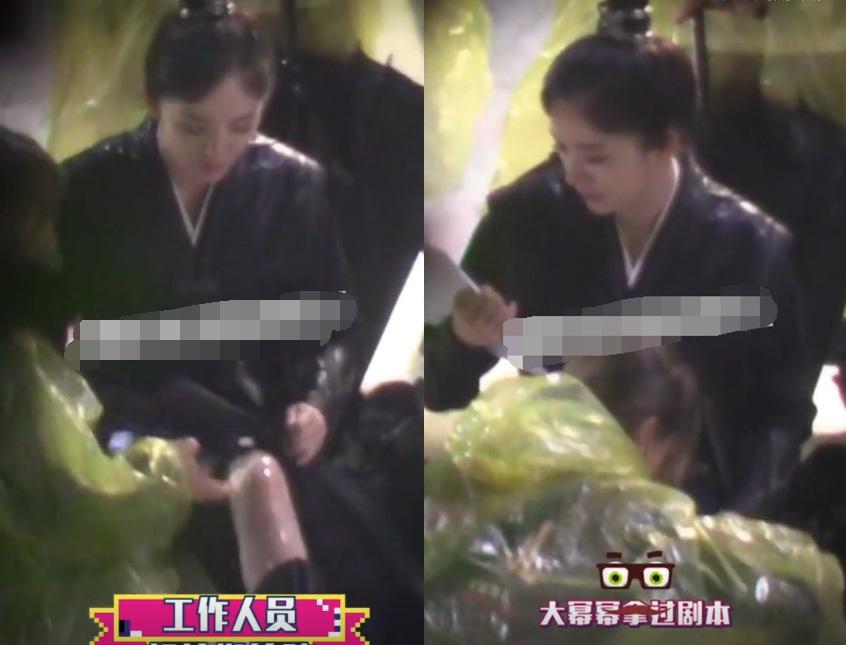 50 sắc thái của Dương Mịch ở hậu trường phim: Luôn bị bắt gặp thái độ cau có, hiếm lắm mới nở nụ cười - Ảnh 14.