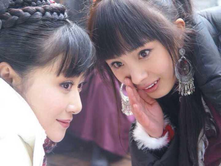 50 sắc thái của Dương Mịch ở hậu trường phim: Luôn bị bắt gặp thái độ cau có, hiếm lắm mới nở nụ cười - Ảnh 21.