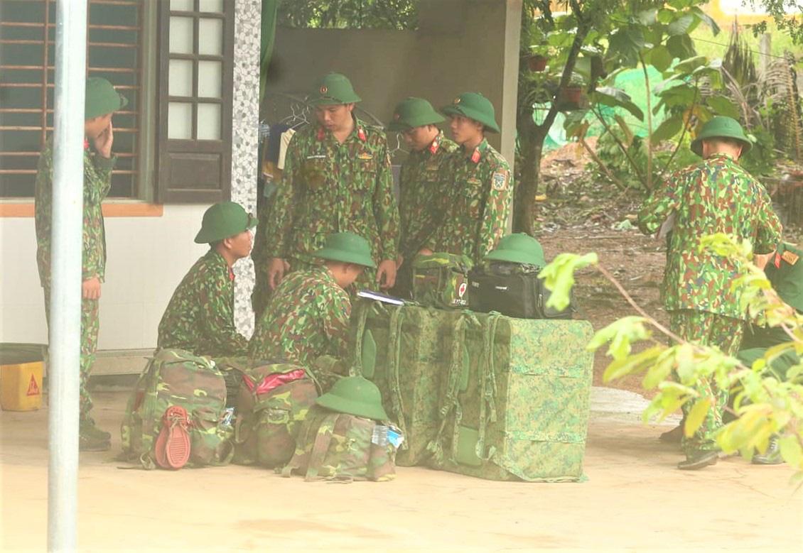 Sự cố Thủy điện Rào Trăng 3: Quân đội chủ trì việc giải cứu, đang mở đường vào hiện trường tìm 30 người mất tích - Ảnh 3.