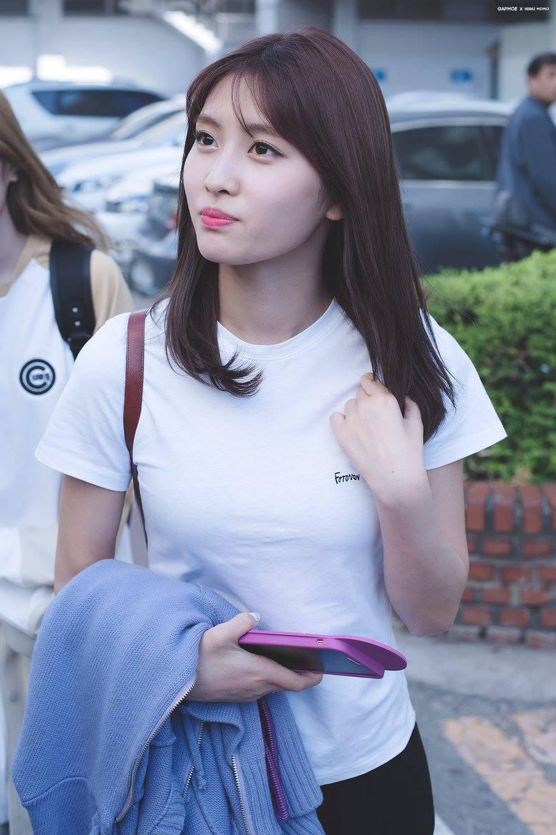 Style khi đi ghi hình của loạt idol Kpop: Người mặc đơn giản vẫn hút, người như trình diễn thời trang - Ảnh 10.