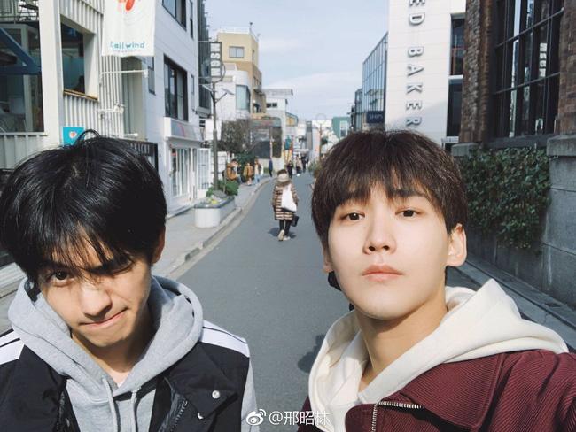 Tống Uy Long: Tân binh thường xuyên bị bắt gặp hôn gái xinh trên phố, cứ đóng phim cổ trang là xịt banh chành - ảnh 26