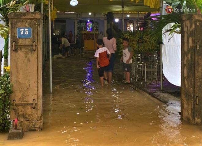 Chủ tịch huyện hy sinh khi cứu nạn Rào Trăng: Nhà ngập hơn 1 mét, mẹ già nằm viện, vẫn gác việc nhà lao vào vùng lũ vì dân - ảnh 6