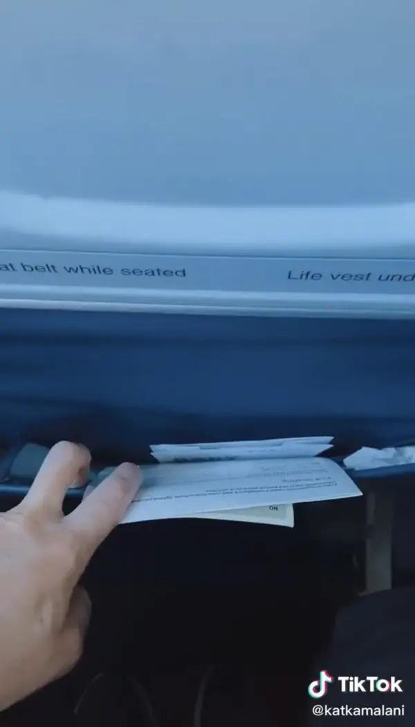 Nữ tiếp viên lâu năm tiết lộ những nơi bẩn thỉu nhất bạn nên hạn chế đụng vào trên máy bay, vậy mà đó giờ không nhiều người để ý - Ảnh 4.