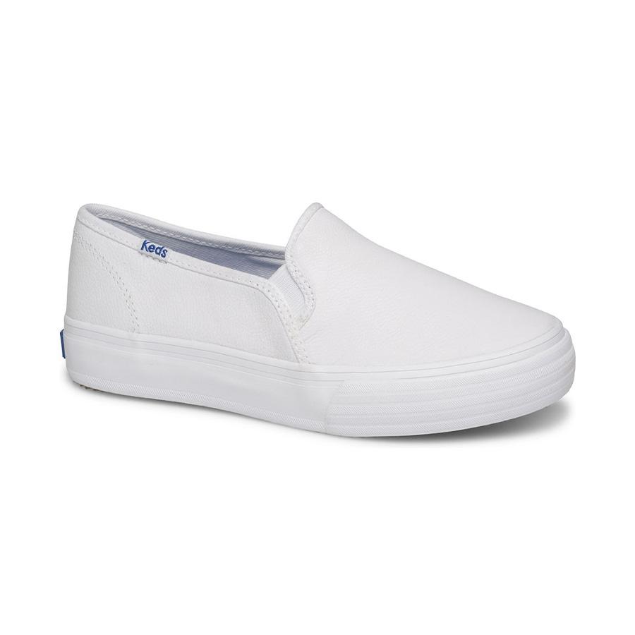 10 đôi giày classic sneakers mà các bạn gái phải sở hữu để luôn trở nên thật tuyệt vời - Ảnh 2.