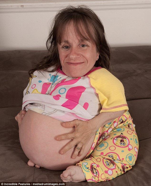 Những kỷ lục mang thai vô tiền khoáng hậu gây sốc toàn tập: Từ mẹ đơn thân nghị lực sinh một lèo 8 đứa con đến sản phụ chỉ mới 5 tuổi - ảnh 6