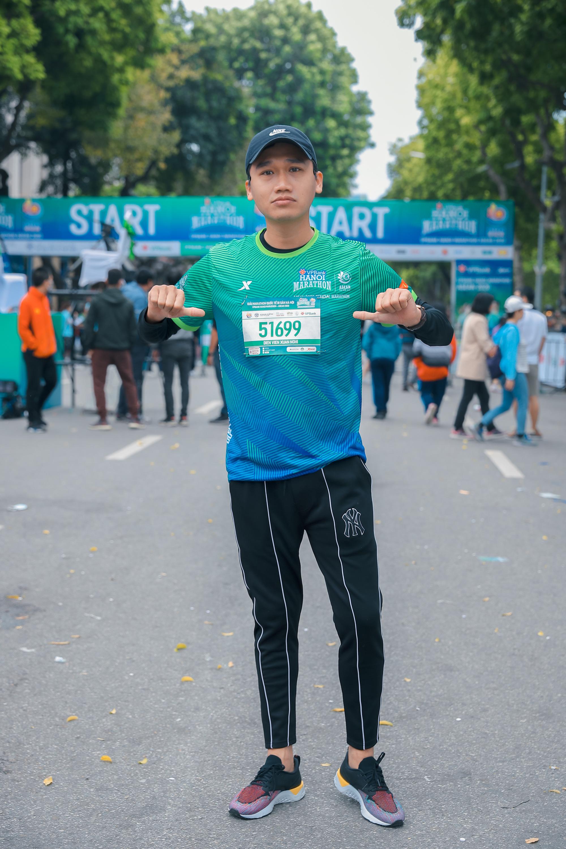 Quân đoàn mỹ nhân gây sốt tại giải Marathon: Mai Phương Thuý chơi trội khoe khéo vòng 1 gần 100 cm, Mai Ngọc xuất hiện rạng rỡ - Ảnh 9.