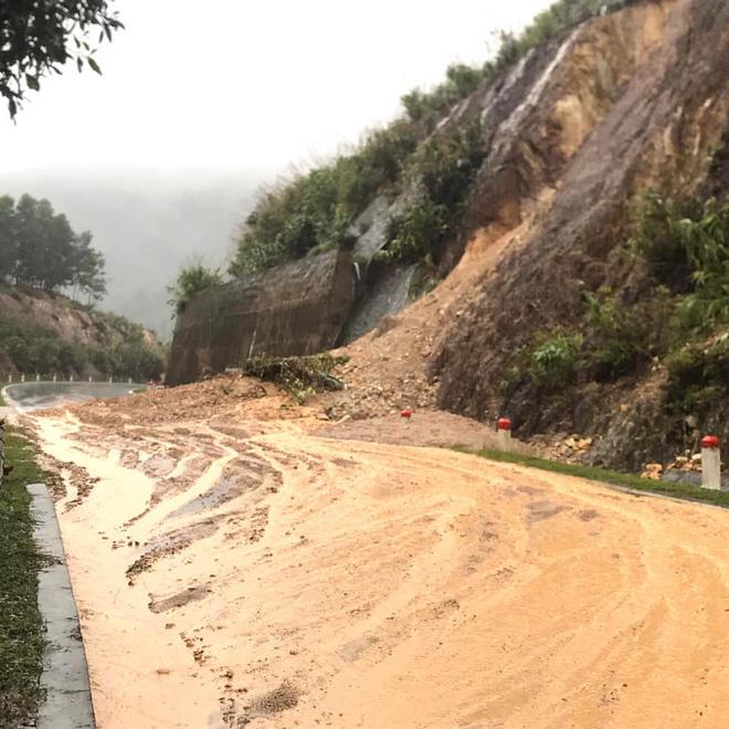 Hà Tĩnh đề nghị rà soát khẩn nơi đóng quân của lực lượng vũ trang, sơ tán dân vùng nguy hiểm - Ảnh 13.