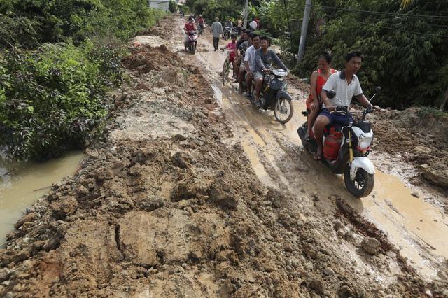 Lũ lụt nghiêm trọng ở Campuchia, hàng chục người thiệt mạng - Ảnh 5.