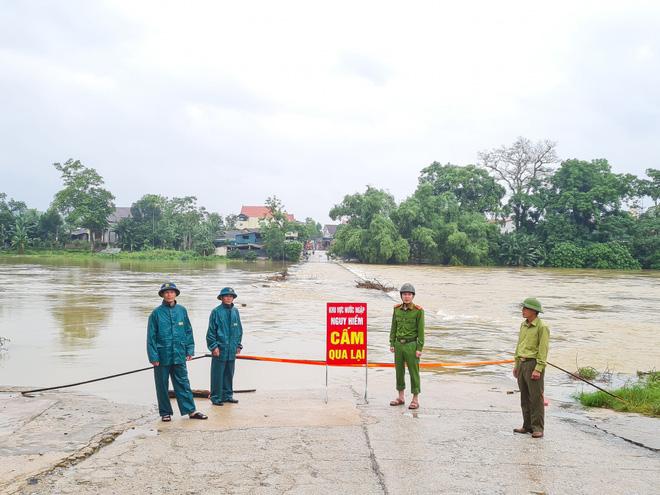 Hà Tĩnh đề nghị rà soát khẩn nơi đóng quân của lực lượng vũ trang, sơ tán dân vùng nguy hiểm - Ảnh 5.