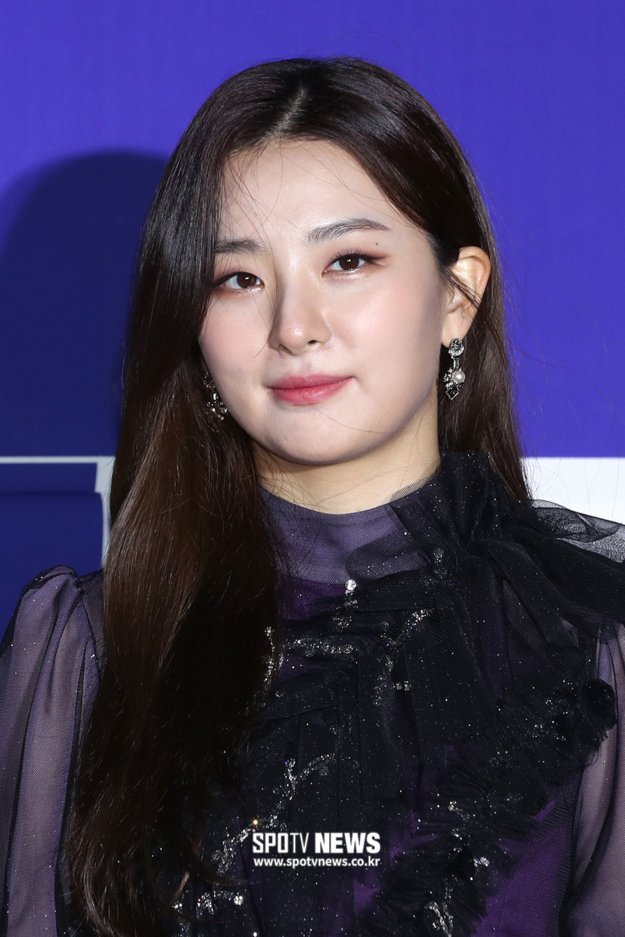 Thảm đỏ hot nhất xứ Hàn hôm nay: Tiffany (SNSD) chặt chém với đôi chân cực phẩm, Joy (Red Velvet) đẹp lấn át cả nữ thần Irene - Ảnh 12.
