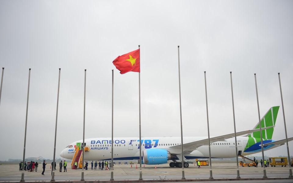Miễn phí vé máy bay cho hội, cá nhân thực hiện từ thiện tới miền Trung