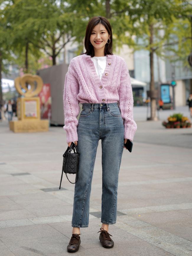 Street style châu Á: Hội chị em lên đồ đẹp hút mắt, toàn blazer và cardigan nhưng nhìn sang hết nấc - ảnh 13