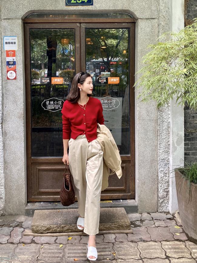 Street style châu Á: Hội chị em lên đồ đẹp hút mắt, toàn blazer và cardigan nhưng nhìn sang hết nấc - ảnh 15