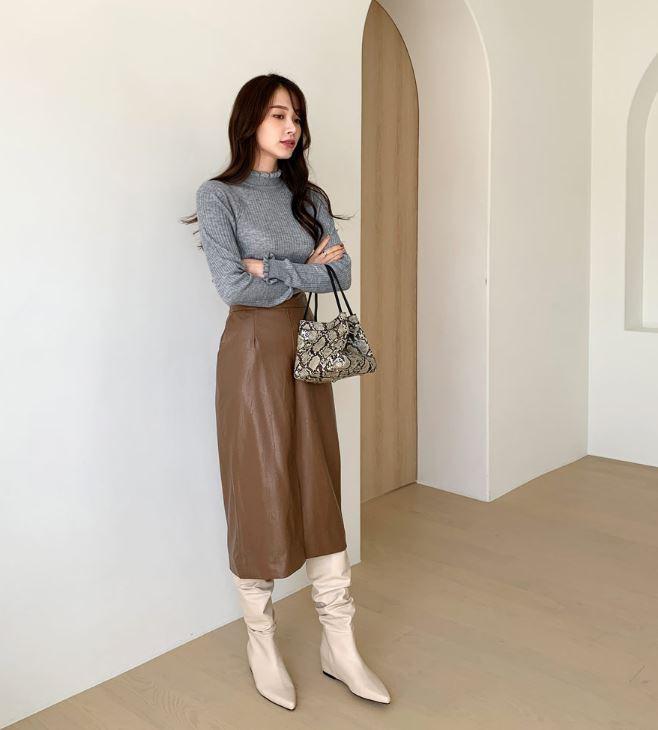 Đến cả đôi chân cột đình cũng thon gọn nhẹ nhàng nhờ 5 kiểu chân váy độc quyền cho ngày lạnh - ảnh 15