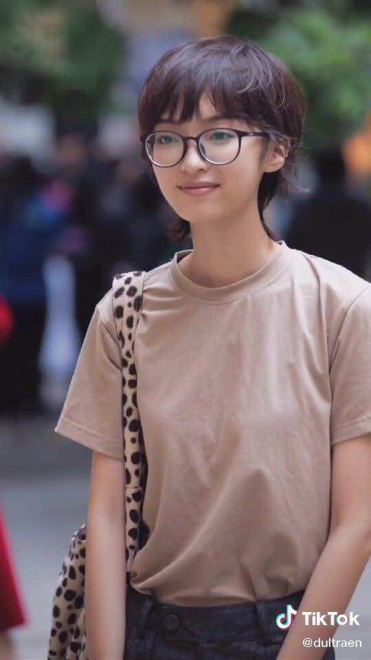Tân sinh viên trường Báo lên đồ đi nhập học cool như dự Fashion Week, team qua đường muốn dìm cũng không có cửa - ảnh 10