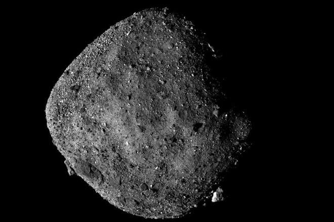 Ngày mai, tàu vũ trụ của NASA sẽ thực hiện cú hạ cánh lịch sử lên thiên thạch có khả năng 'gây họa' cho Trái đất - ảnh 2