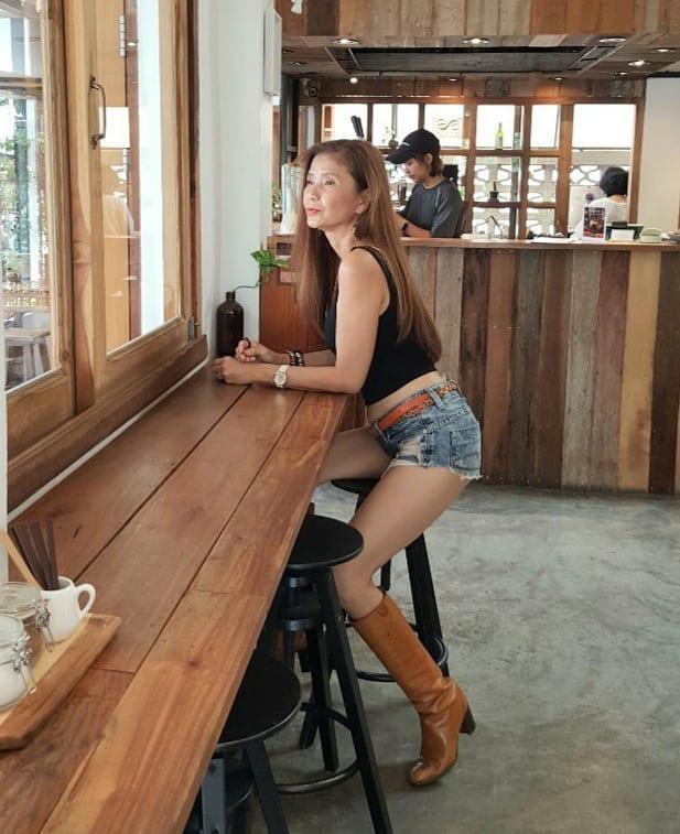 Bà ngoại U60 vẫn tự tin diện bikini khoe dáng săn chắc, style đủ khiến khối chị em ra chuồng gà - ảnh 6