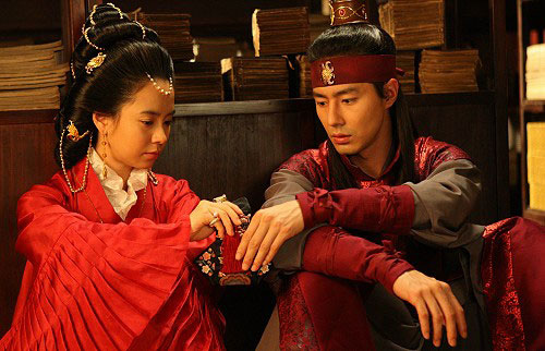 6 phim Hàn ngập cảnh nóng: Không thể thiếu mối tình hầu gái của mỹ nhân giật chồng ồn ào nhất Kbiz - ảnh 3