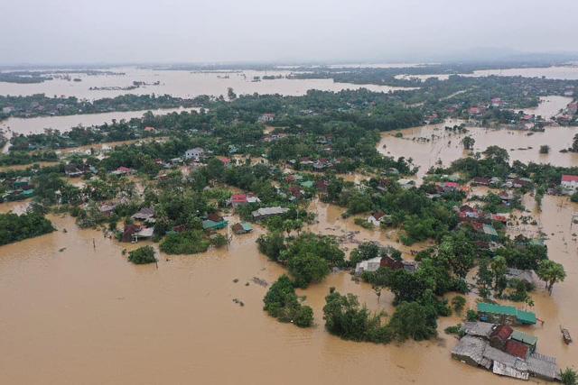 KHẨN CẤP: Có ít nhất 2 xoáy thuận nhiệt đới tiếp tục gây mưa cho miền Trung từ nay đến hết tháng 10/2020 - ảnh 1