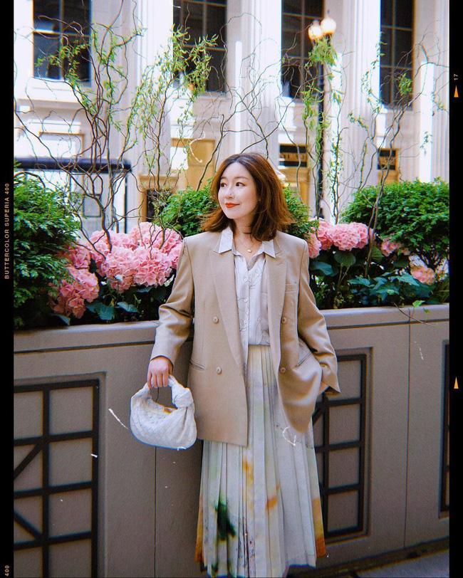 Chỉ với một kiểu blazer, nàng fashionista mix được cả chục set đồ xịn đẹp, học theo thì bạn chẳng cần shopping nhiều cho phí tiền - ảnh 3