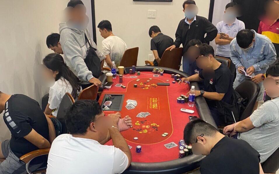 Đột kích sòng Poker quy tụ nhiều người ngoại quốc ở Sài Gòn