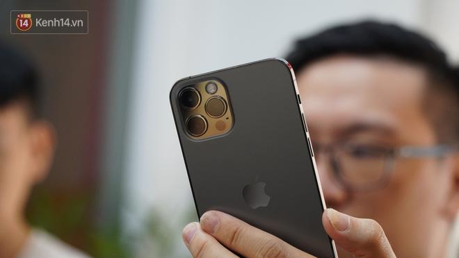 Trên tay iPhone 12 và iPhone 12 Pro tại Việt Nam - ảnh 13