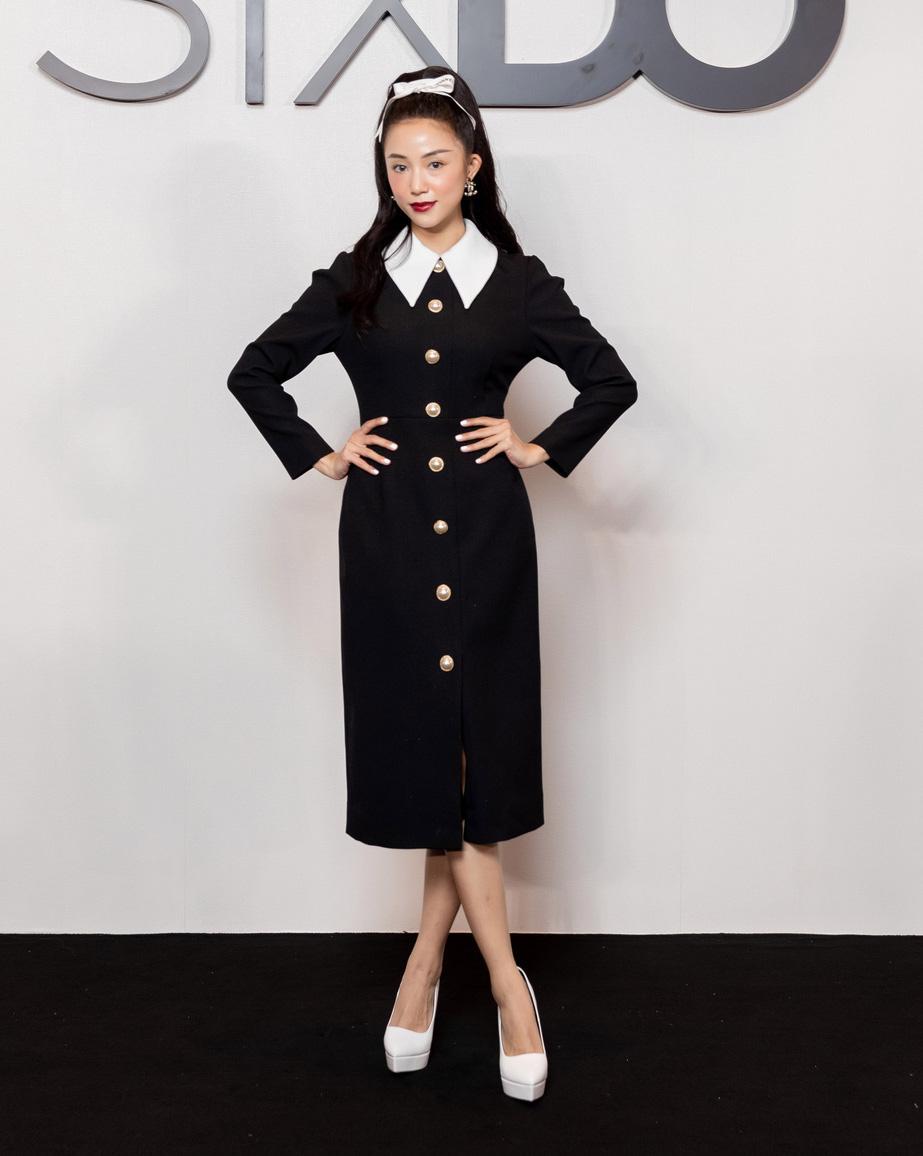 Angela Phương Trinh comeback chặt đẹp dàn mỹ nhân, Khánh Linh đã dát vàng lông mày còn xách túi lồng chim nửa tỷ - Ảnh 3.