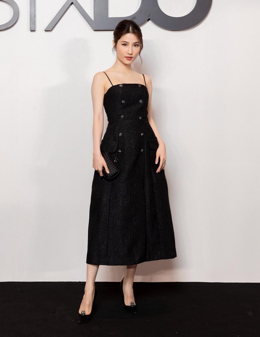 Angela Phương Trinh comeback chặt đẹp dàn mỹ nhân, Khánh Linh đã dát vàng lông mày còn xách túi lồng chim nửa tỷ - Ảnh 15.