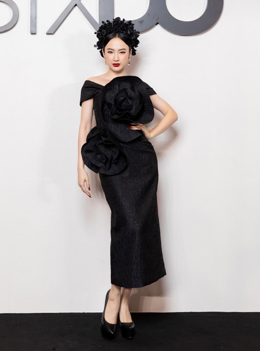 Angela Phương Trinh comeback chặt đẹp dàn mỹ nhân, Khánh Linh đã dát vàng lông mày còn xách túi lồng chim nửa tỷ - Ảnh 1.