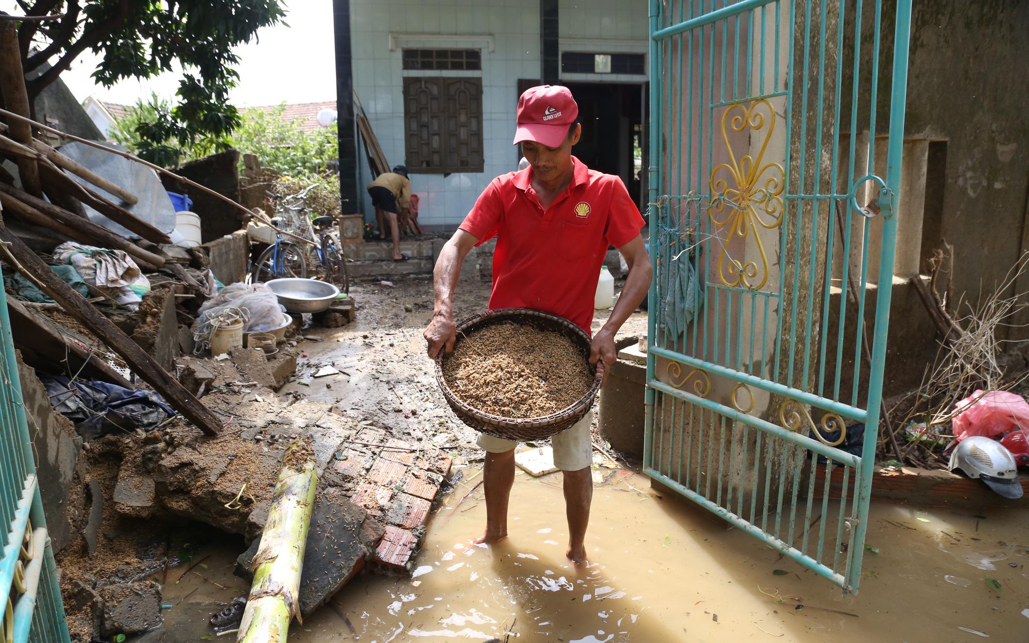 Sau trận lũ lịch sử, người dân vùng lũ Quảng Bình thực sự cần gì lúc này?