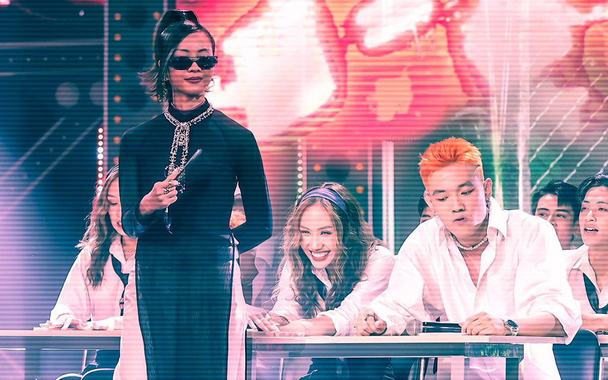 """Rap Việt hóa thành lớp học sau phần thi của trai đẹp Tage, """"chú lao công"""" Rhymastic tiếp tục tấu hài"""