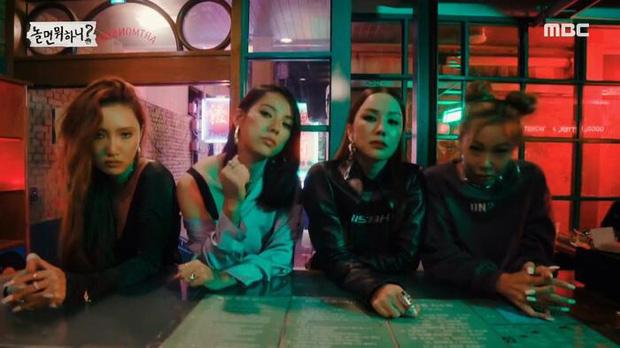 Lee Hyori gọi điện nhắc nhở theo dõi màn debut của Refund Sisters nhưng bị ông xã cúp máy cái rụp vì đang bận xem BLACKPINK - ảnh 1