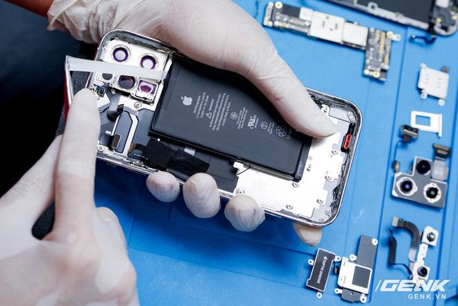 Mổ bụng iPhone 12 Pro đầu tiên tại Việt Nam: Sắp xếp vị trí linh kiện có chút khác biệt, bo mạch chữ L, pin 2815mAh - ảnh 12