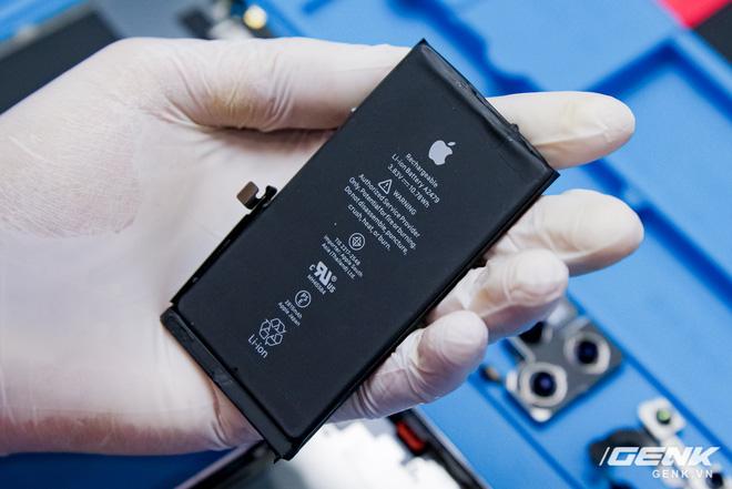 Mổ bụng iPhone 12 Pro đầu tiên tại Việt Nam: Sắp xếp vị trí linh kiện có chút khác biệt, bo mạch chữ L, pin 2815mAh - ảnh 13
