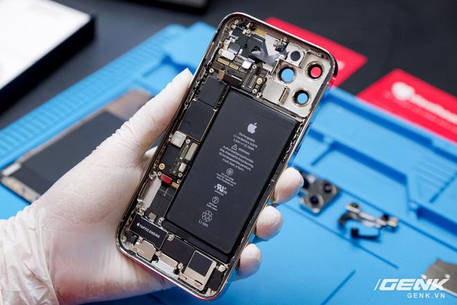 Mổ bụng iPhone 12 Pro đầu tiên tại Việt Nam: Sắp xếp vị trí linh kiện có chút khác biệt, bo mạch chữ L, pin 2815mAh - ảnh 4