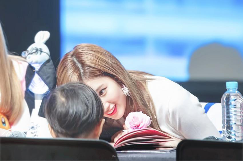 Four beautiful Kpop goddesses are still immune to attitudes: Yoona, Tzuyu are known for a reason, how are Sana so many male stars in love?  Photo 12.