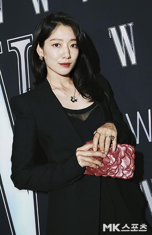 Gần nửa Kbiz đổ bộ sự kiện khủng: Park Min Young mặt cứng đờ, Jessica bị chê dừ chát, mỹ nhân Red Velvet đọ sắc bên Park Shin Hye - ảnh 5