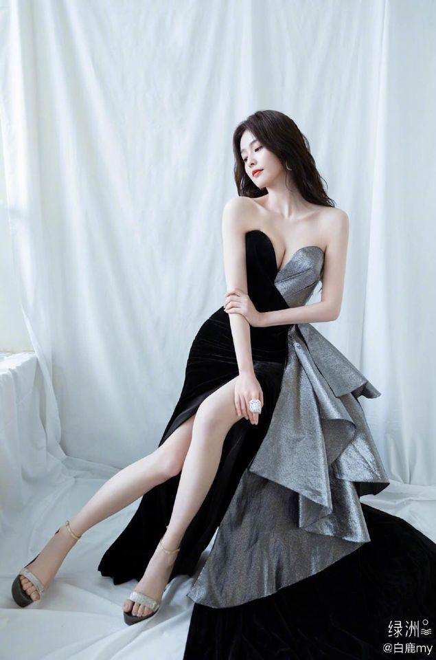 Tổ hợp visual gây bão Weibo: Triệu Lộ Tư dễ thương muốn xỉu, Bạch Lộc bốc lửa bỗng lột xác bất ngờ - ảnh 9