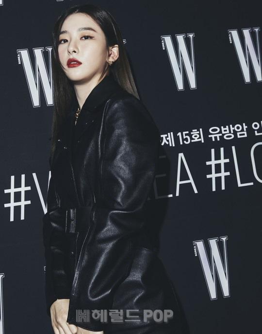 Gần nửa Kbiz đổ bộ sự kiện khủng: Park Min Young mặt cứng đờ, Jessica bị chê dừ chát, mỹ nhân Red Velvet đọ sắc bên Park Shin Hye - ảnh 10