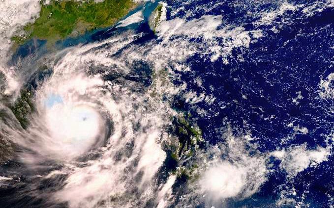 Bão số 9 dự báo mạnh cấp 12-13 khi vào đất liền Đà Nẵng đến Phú Yên, có thể gây gió giật mạnh kỷ lục trong 20 năm