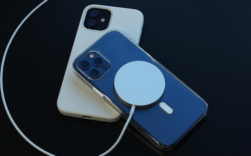 Apple thú nhận dùng MagSafe có thể gây hại cho túi tiền!
