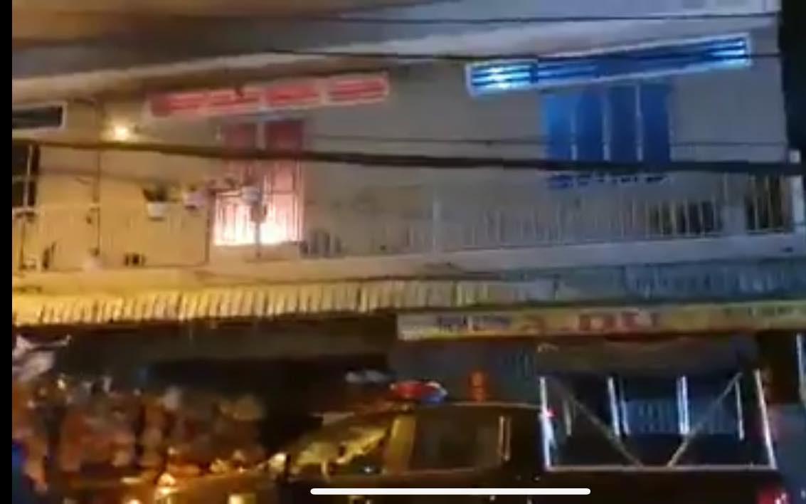 Nghi vấn cha phóng hỏa đốt nhà khiến 3 cha con bị bỏng nặng ở Sài Gòn
