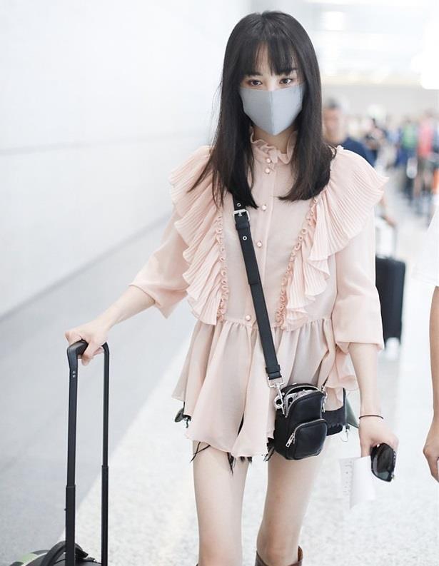 So kè dàn thảm họa thời trang sân bay Cbiz - Kbiz: Đỉnh cao phèn chúa gọi tên Trịnh Sảng, nhưng có bằng vấn nạn của TWICE? - Ảnh 10.