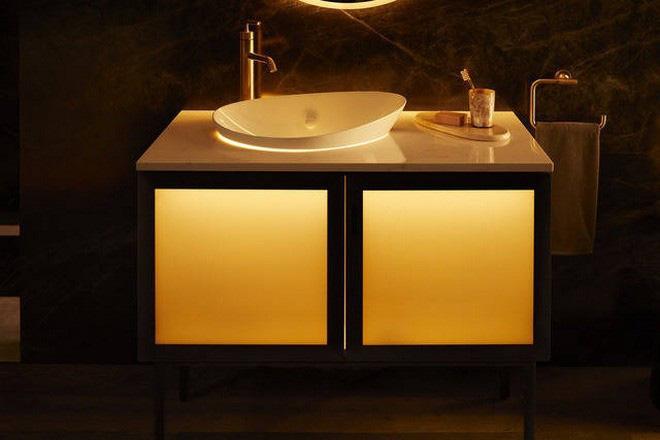 Dạo quanh phòng tắm công nghệ cao đặc biệt, nơi có thể điều khiển mọi thứ từ toilet đến gương bằng giọng nói với giá bán gần 400 triệu - ảnh 5