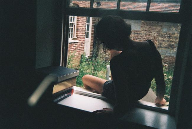 Cô gái si tình lẻn vào nhà người cũ để... nấu ăn thể hiện tình cảm, trước khi rời đi còn để lại mảnh giấy note khiến dân mạng lạnh gáy - Ảnh 2.