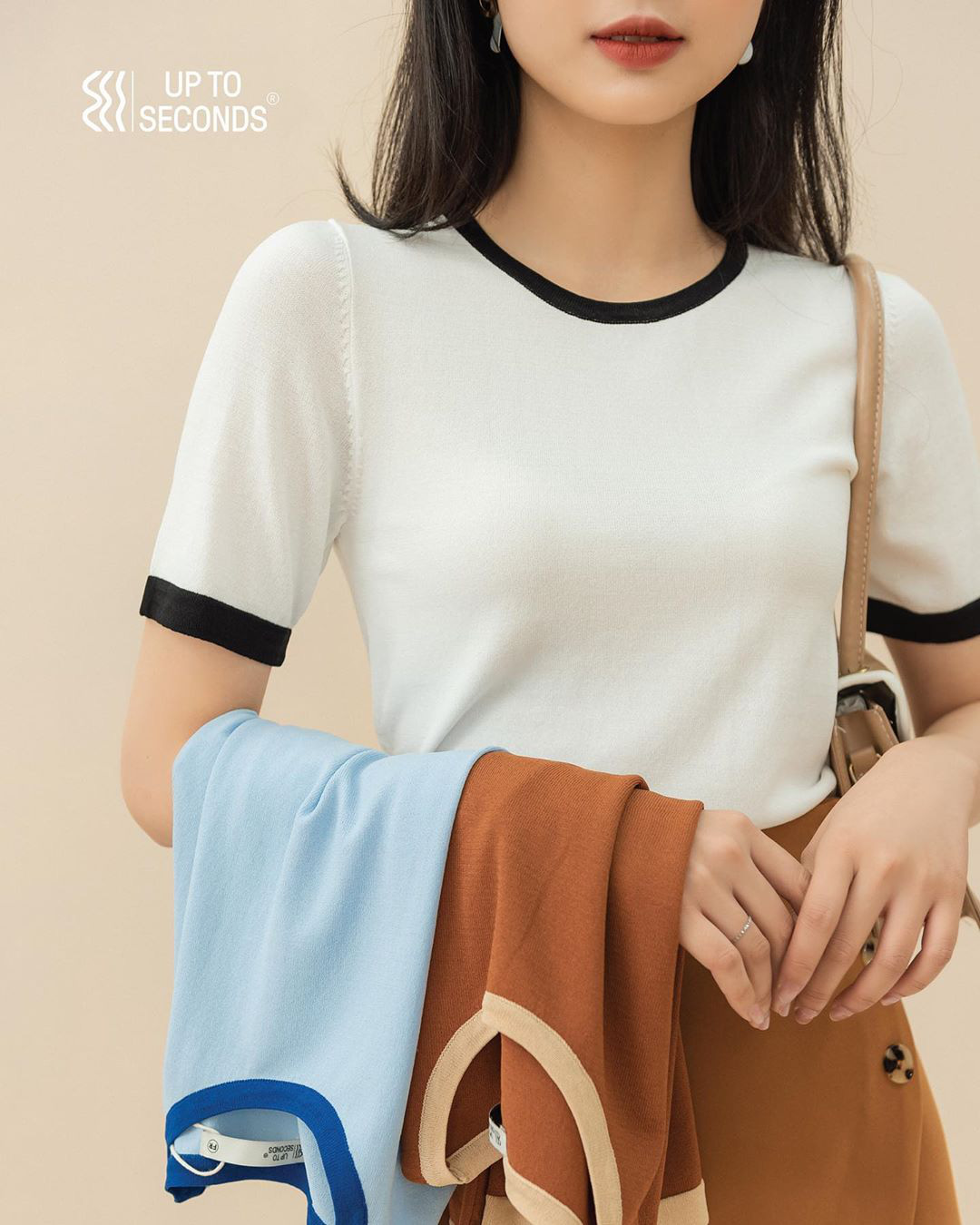 Ngắm 10 mẫu áo len cộc tay xinh chuẩn Hàn này, bạn sẽ muốn sắm bằng hết để diện dần  - Ảnh 17.