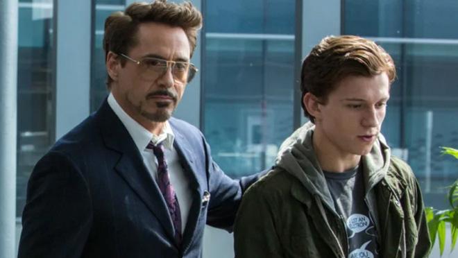 Hóa ra Tony Stark phát hiện ra Spider-Man nhờ YouTube - ảnh 1