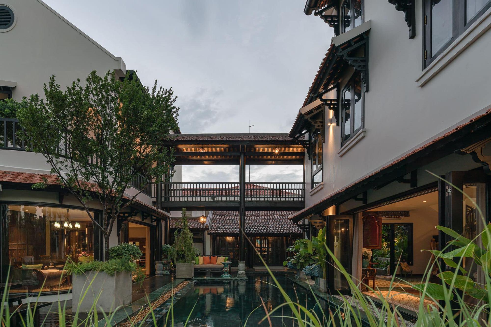Ngôi nhà 400m2 tại Thảo Điền - Quận 2 được thiết kế từ ngôi biệt thự cổ, không gian thiên nhiên mê đắm lòng người - Ảnh 1.