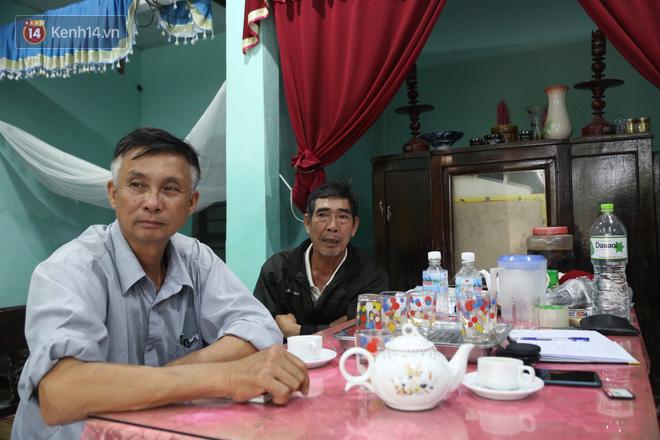 Xóm trưởng, trưởng thôn và những người thầm lặng trong những ngày lũ chồng lũ ở miền Trung: Chỉ mong bữa cơm nhà, một giấc ngủ thật ngon - Ảnh 8.
