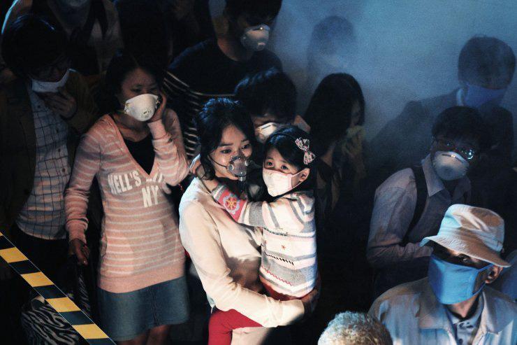 Điểm lại 11 tình tiết gay cấn nhất trong The Flu - phim về đại dịch cúm đình đám xứ Hàn - Ảnh 9.